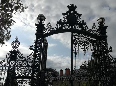 CLERMONT-FERRANDの公園入口