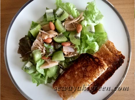 HBパンとビッグサラダ