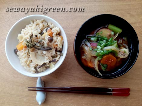 山菜ご飯と味噌汁
